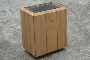 Corbeille rectangulaire en bois